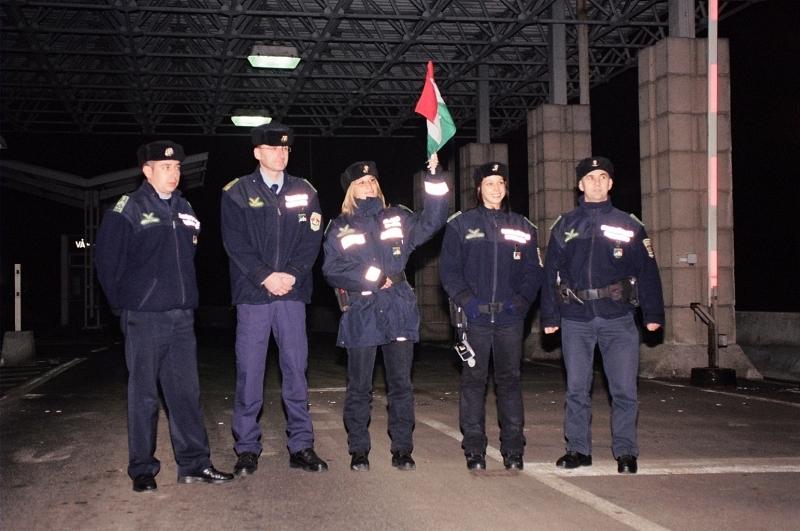 Határõr csoportkép - Border guard tableau 01.jpg