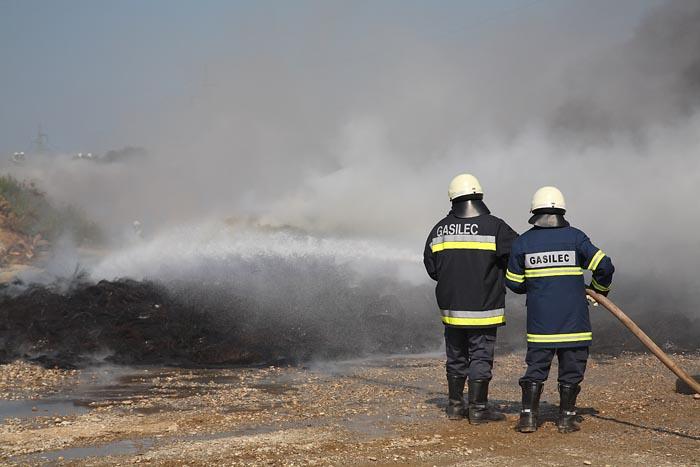 Fire fighters in action gasilca v akciji_MG_0470-1.jpg