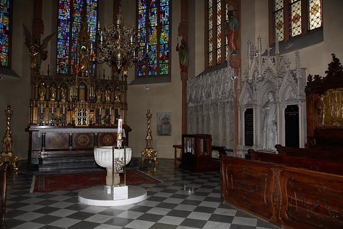 Maribor-cathedral, stolna cerkev_MG_2824-1.jpg