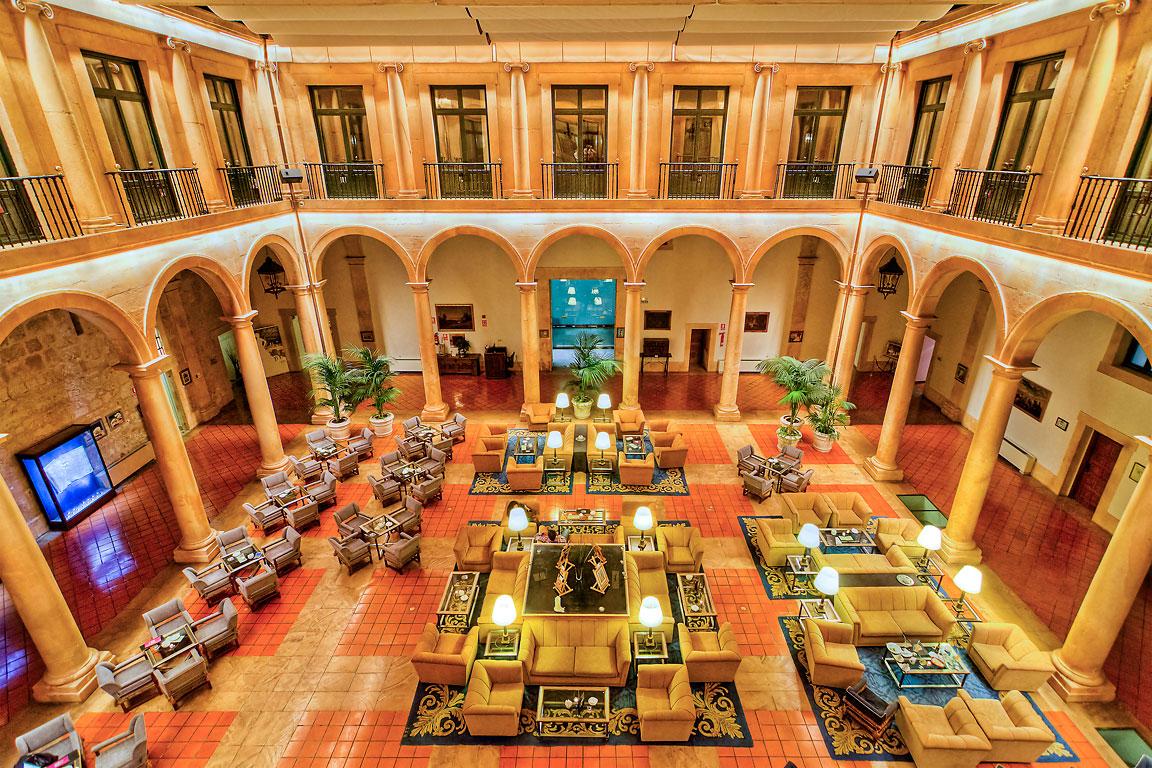 Bar and lounge, Ducal Palace, Lerma