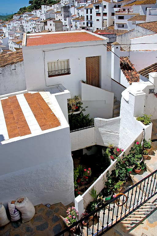 Steps and rooftops, Casares
