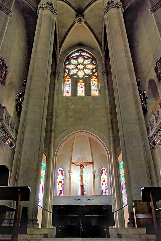 Altar and crucifix, Tibidabo
