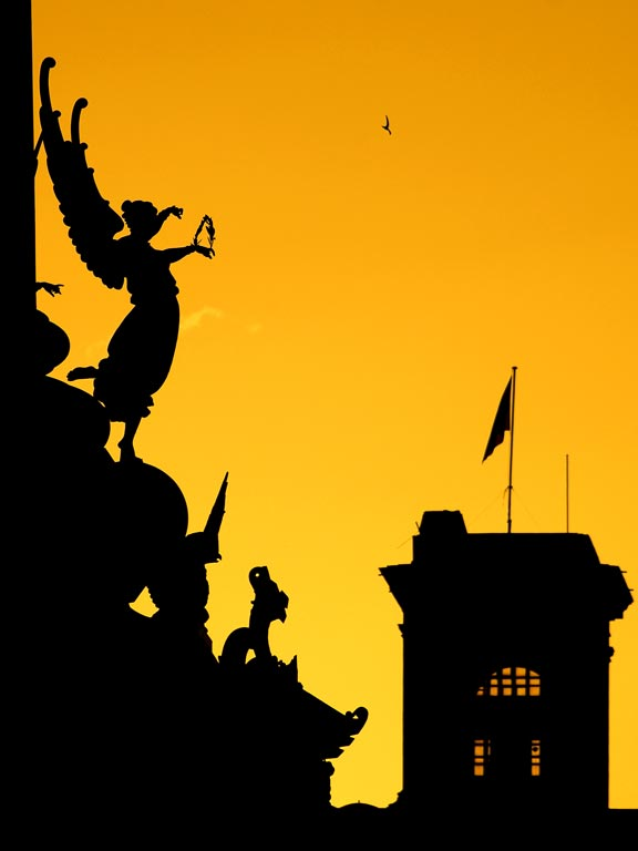 Sunset and statues, Barcelona