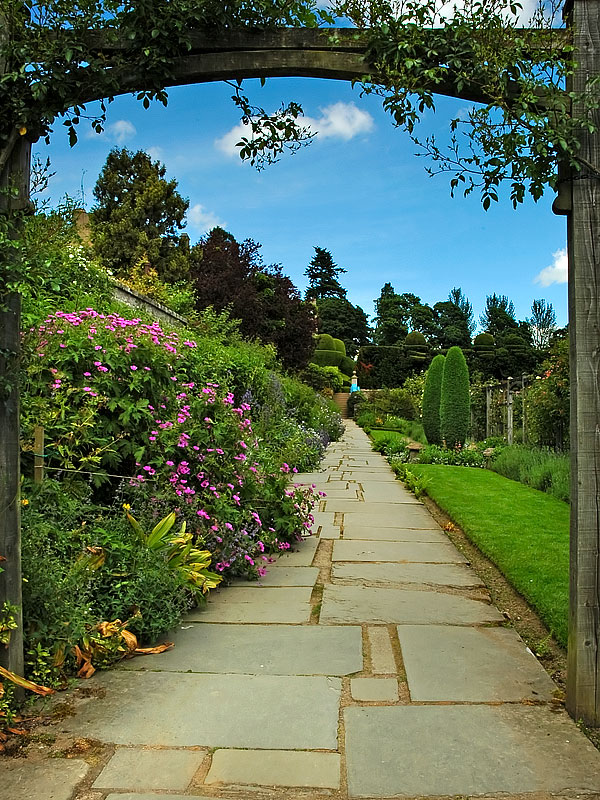 Garden path, Crathes Castle