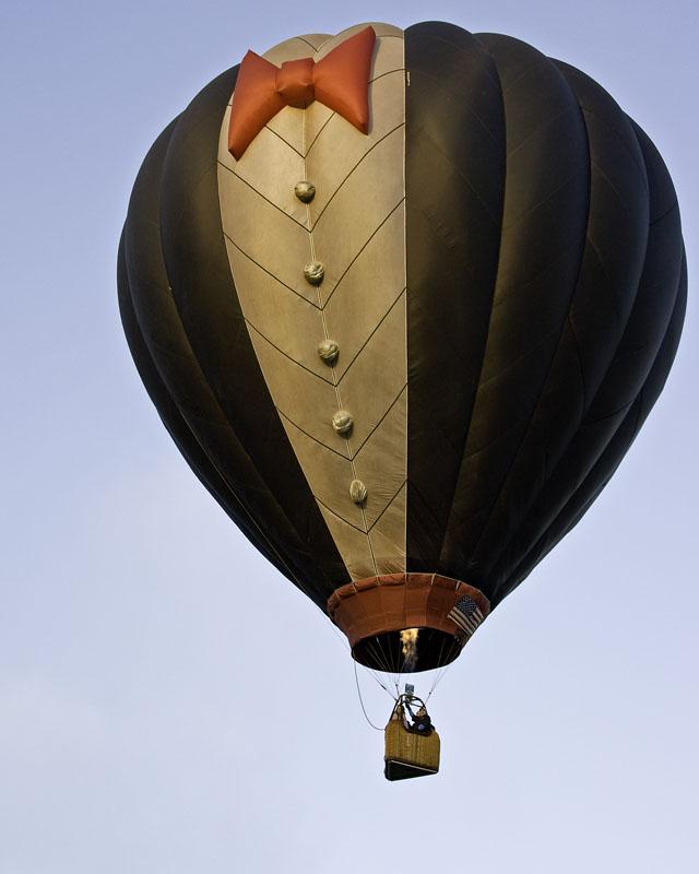 Flying bowtie