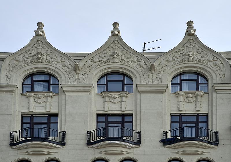 Triplets by Erzsebét Bridge