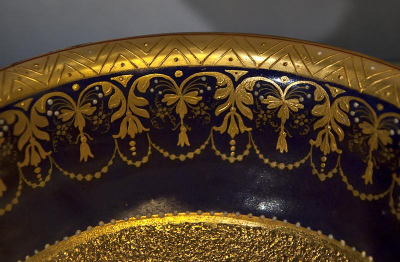 Gilt bowl (1890)