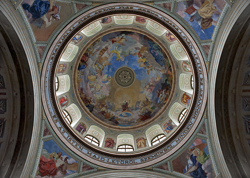 Eger Cathedral, front dome