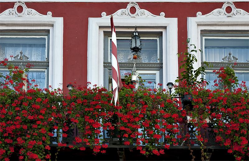 Sátoraljaújhely, colorful windows