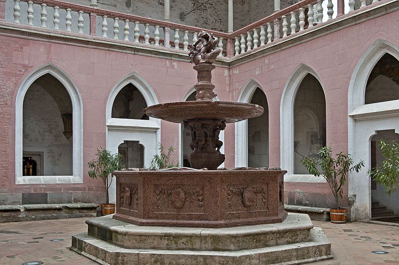 Court of Honor, Hercules fountain