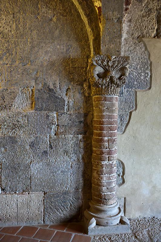 Inside the royal palace, original pillar