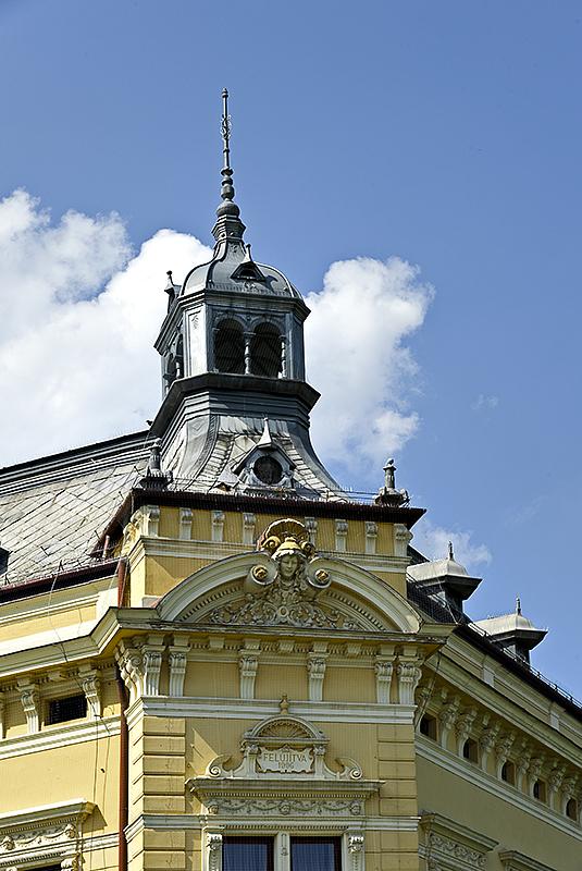 Szarvas, elegant building detail