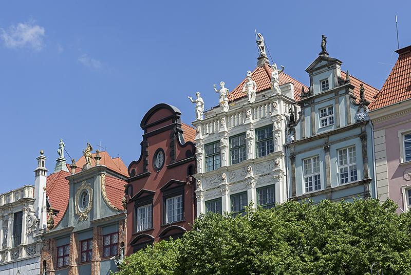 Długi Targ houses
