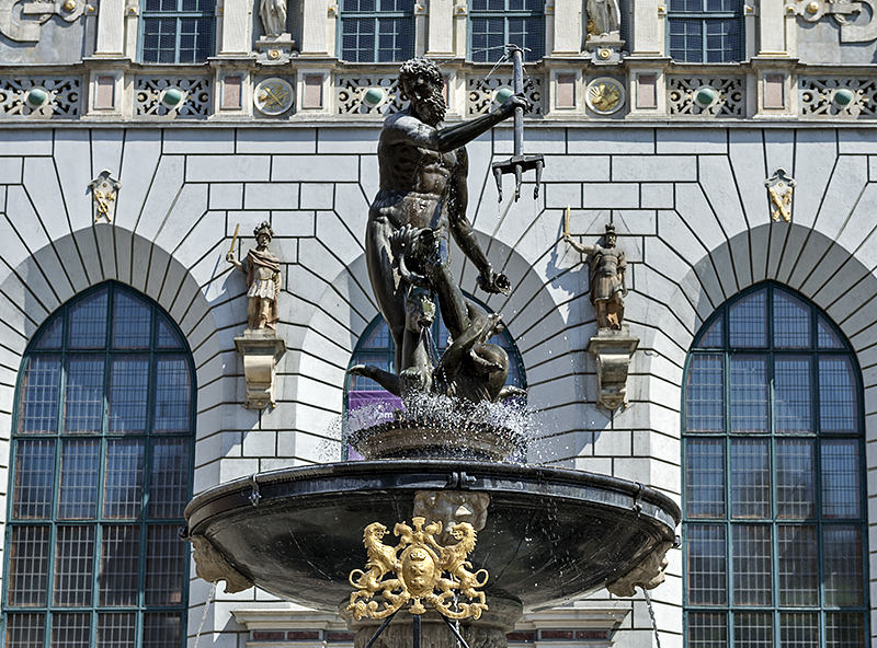 Fountain of Neptune, Artus Court