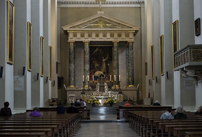 Vilnius Cathedral, altar