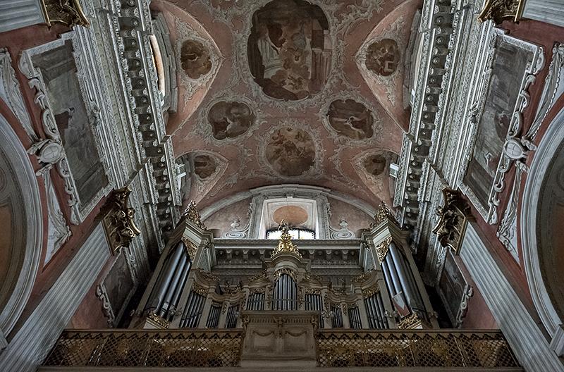 Church of St. Theresa, organ