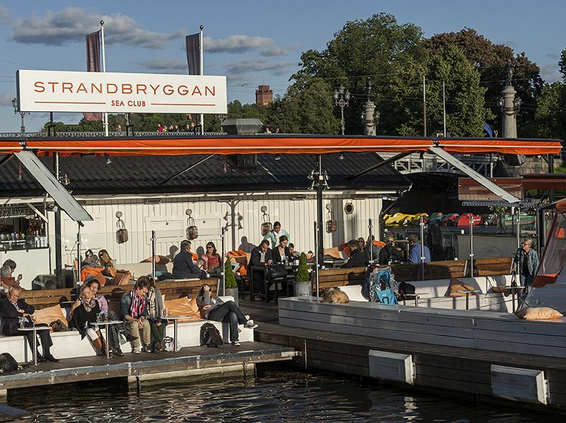 Stockholmers enjoying the water