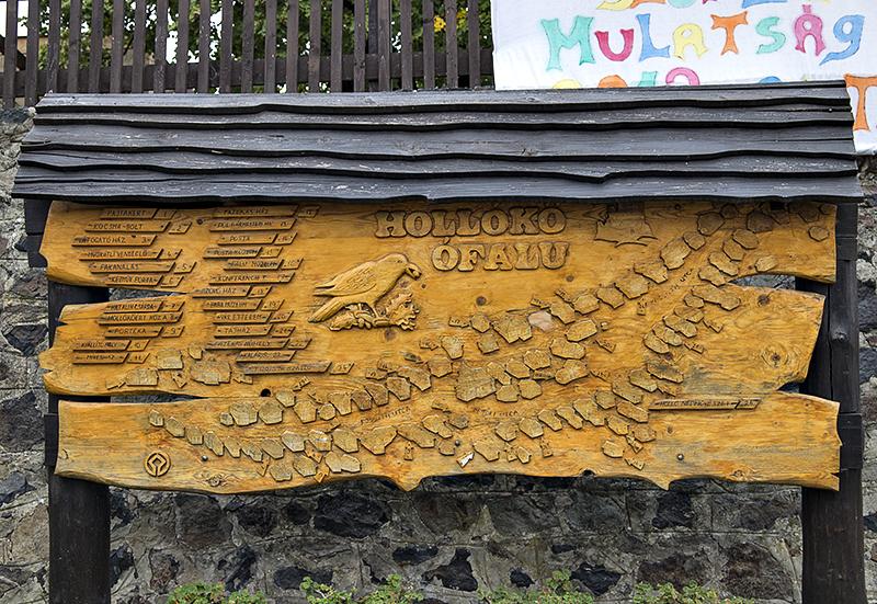 Map of Hollókő village