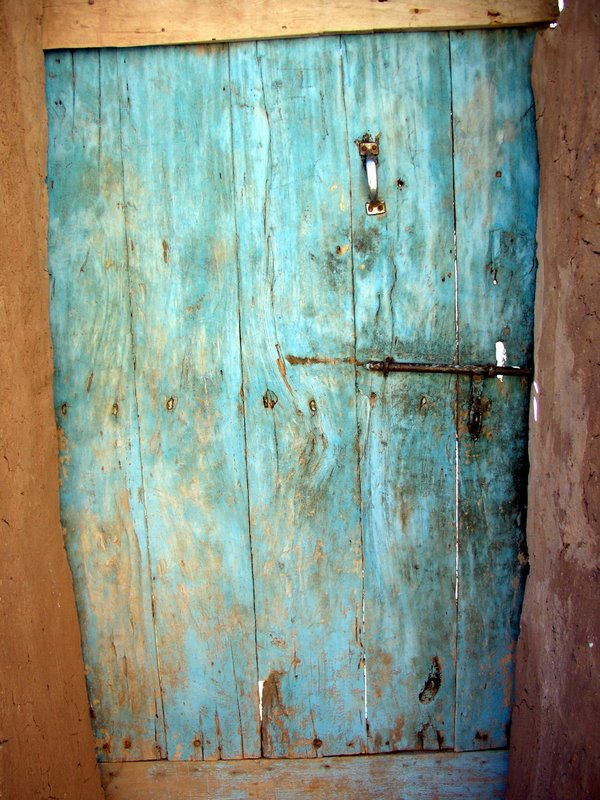 028 Ait Benhaddou - Ancient door.JPG