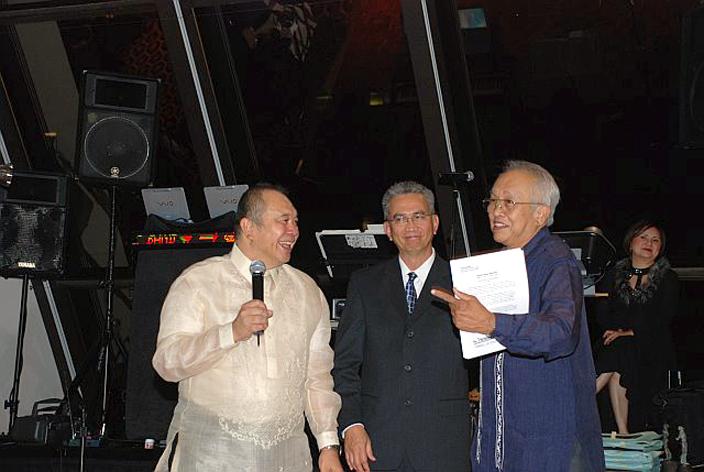 UPAASF Pres  M. Gaspay, UPAAA Pres T. Aquino &  S. Respicio