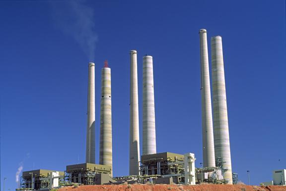 (EN10) Navajo power plant being retrofit with SO2 scrubber smoke stacks, Page, AZ