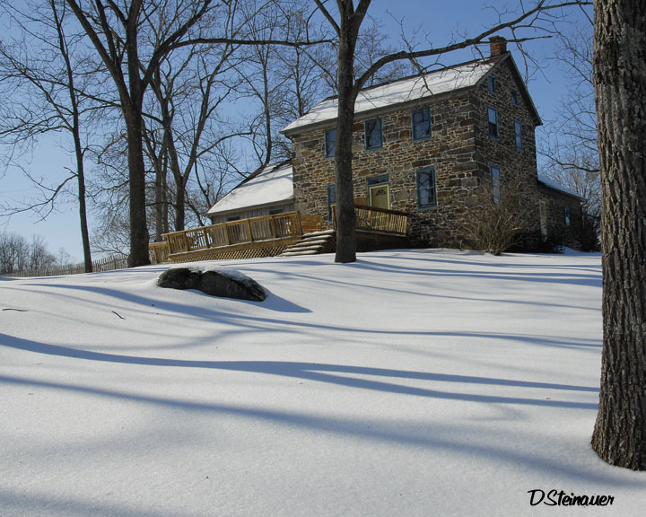 ds20070216_0042a1w Stone Meadow House in Snow.jpg
