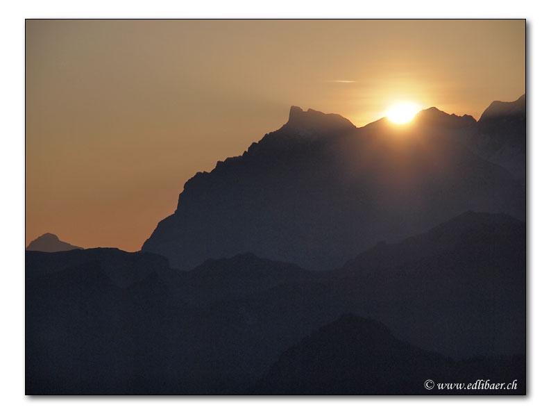 Sonnenaufgang am Glaernisch (5830)