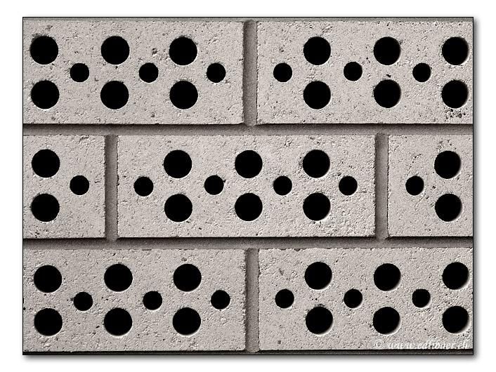 Bachsteinbau / brick building