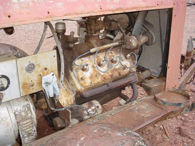 V-8 flathead motor