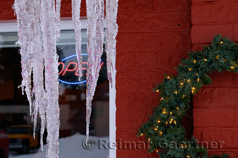 194 Open Icicles.jpg