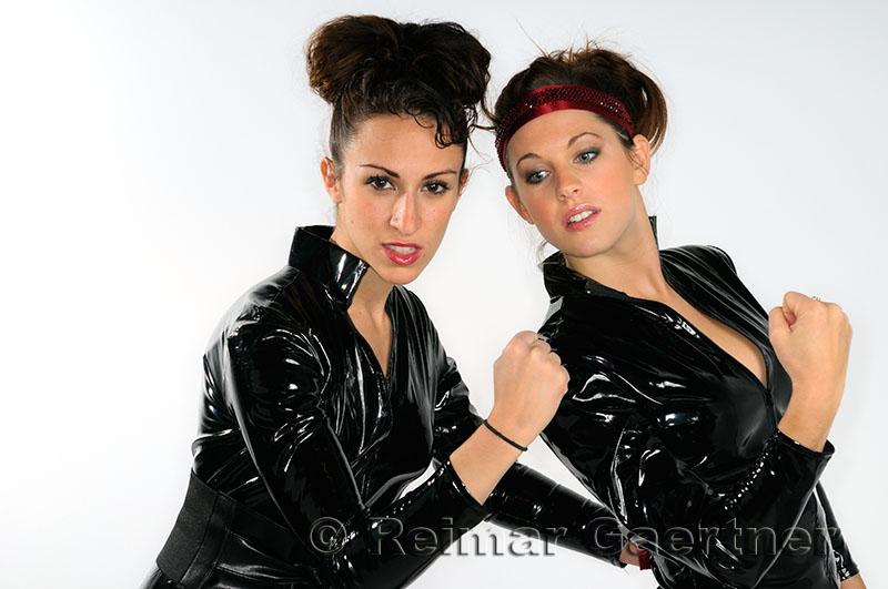 222 Lynn and Tanya 5.jpg