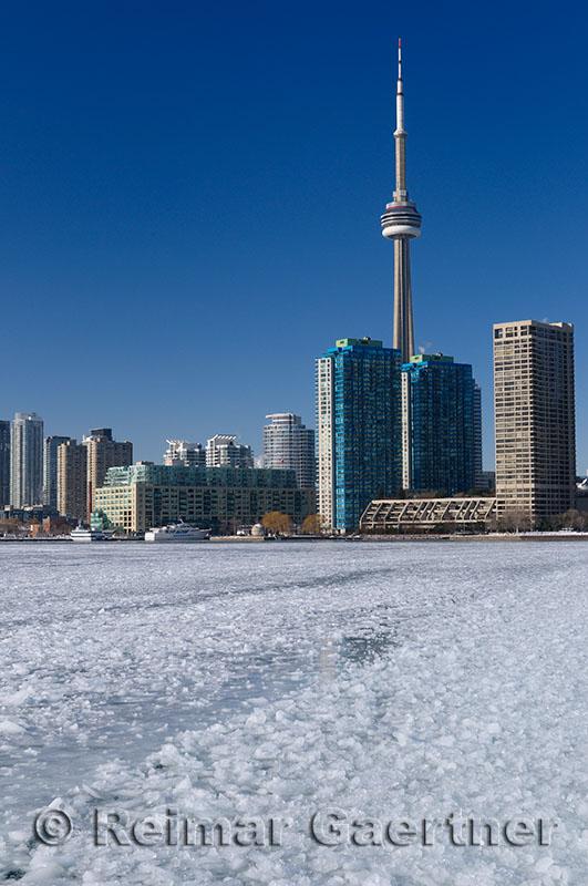 223 Toronto ice Ferry 1.jpg