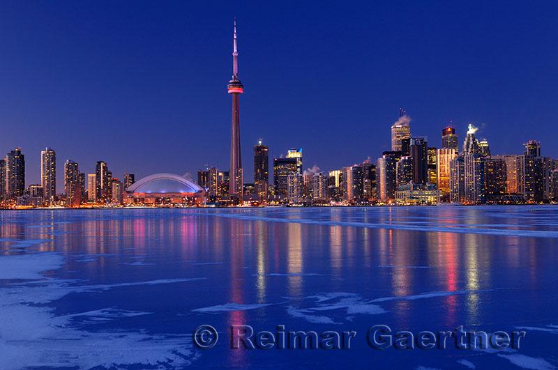 223 Toronto winter nightscape 2.jpg