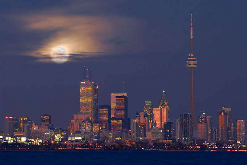 105 Clouded Toronto Moonrise.jpg