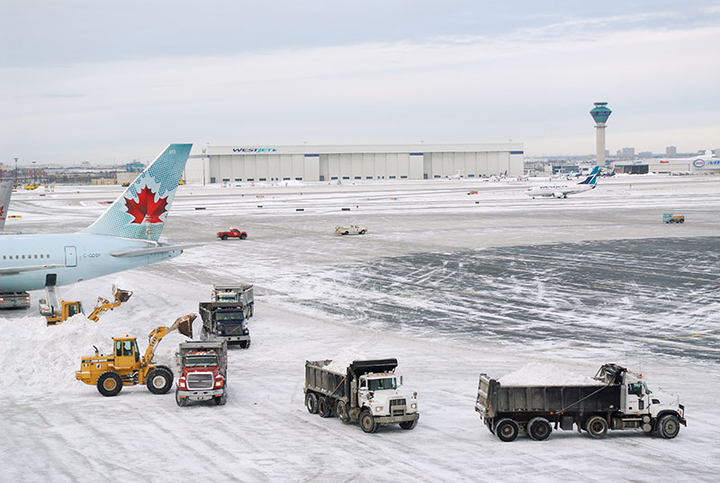 112 Airport snow cleanup 4.jpg