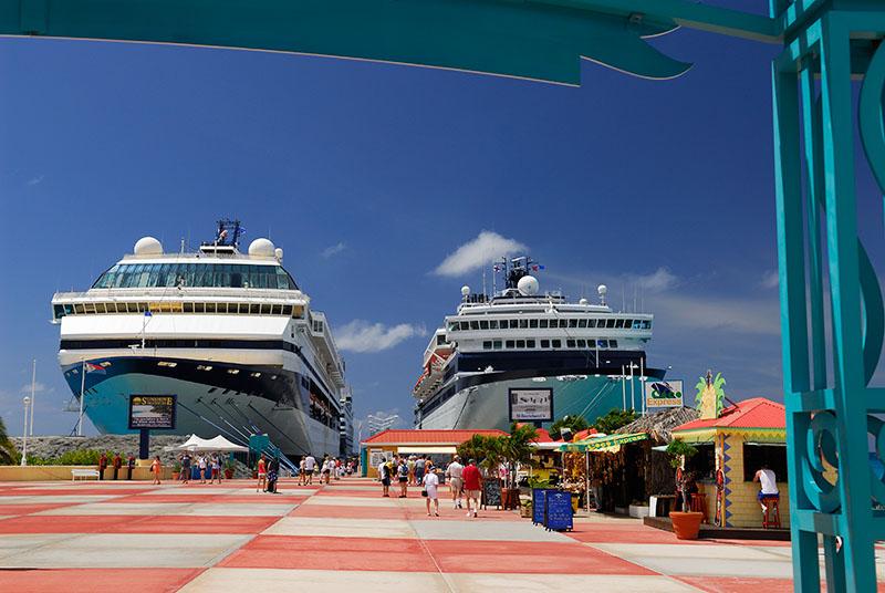 112 Cruise Ships St Maarten.jpg