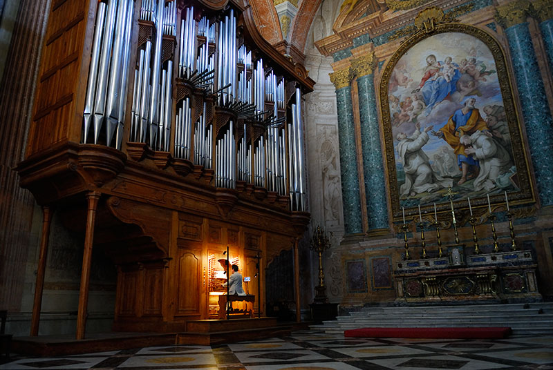 119 Organ in S Maria d Angeli.jpg