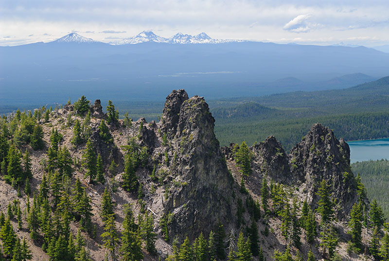 128 Cascades from Paulina Peak.jpg