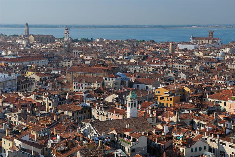 138 Venice rooftops 3.jpg