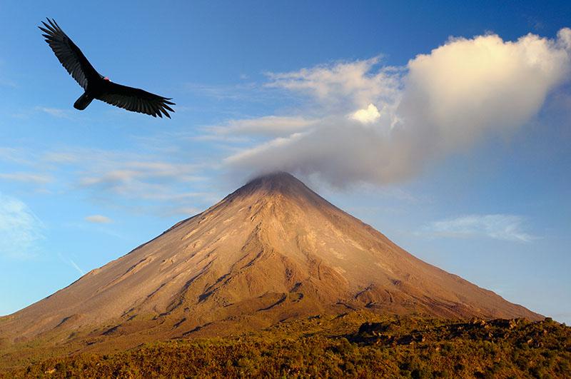 156 Arenal volcano sunset 2.jpg