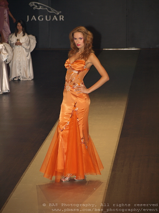 Bucharest Fashion Week 2008<br>Oans by Oana Savescu