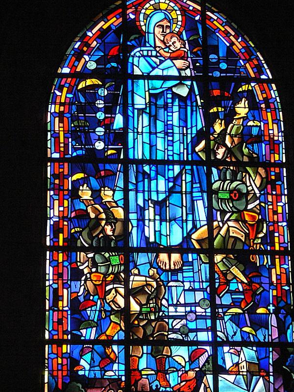 Sainte-Mère léglise.