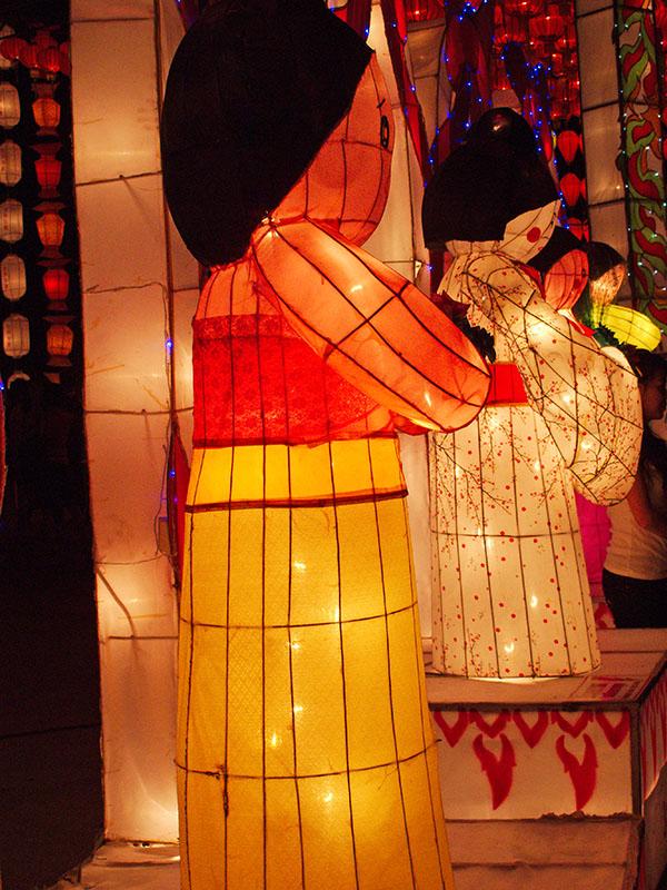 Lantern Ladies at Night