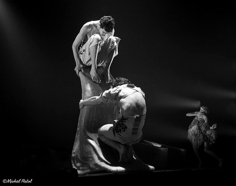 T.A + Ballet-2429 bw.jpg