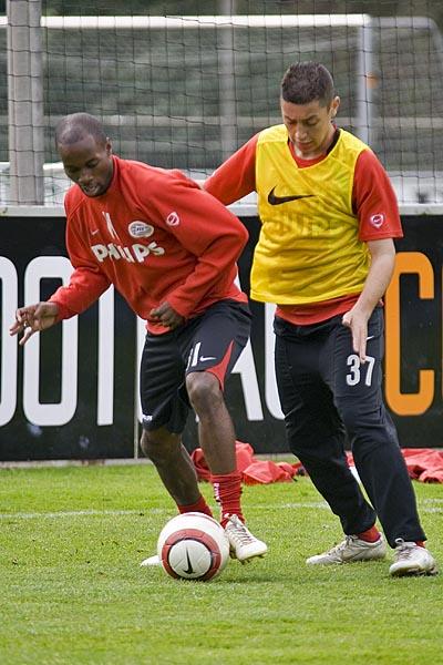 DaMarcus Beasley and Ismail Aissati