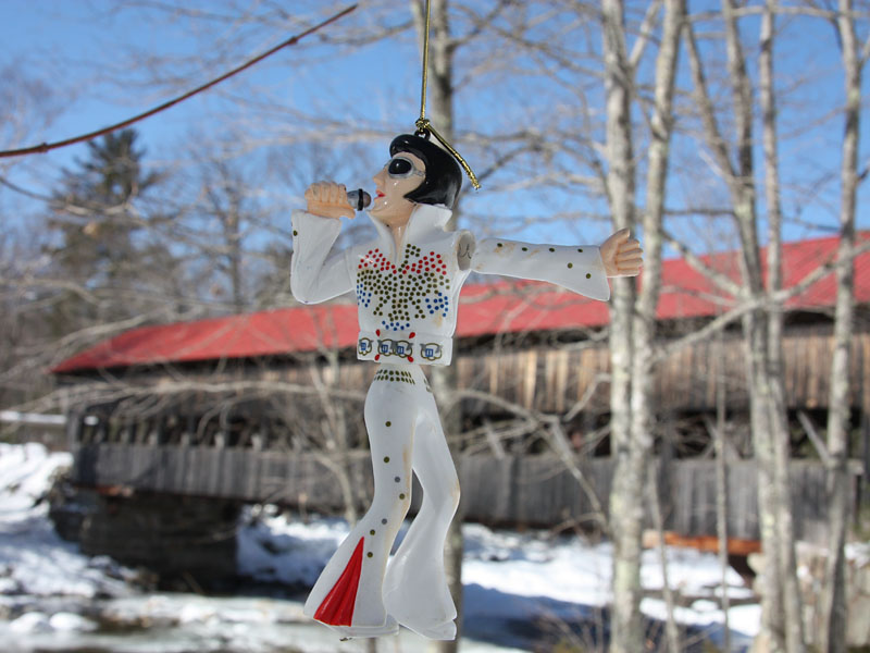 Wackel-Elvis, Kancamagus Highway Covered Bridge, New Hampshire