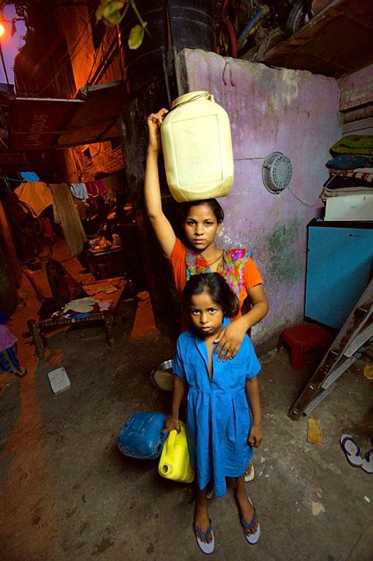 Woman and girl - Delhi