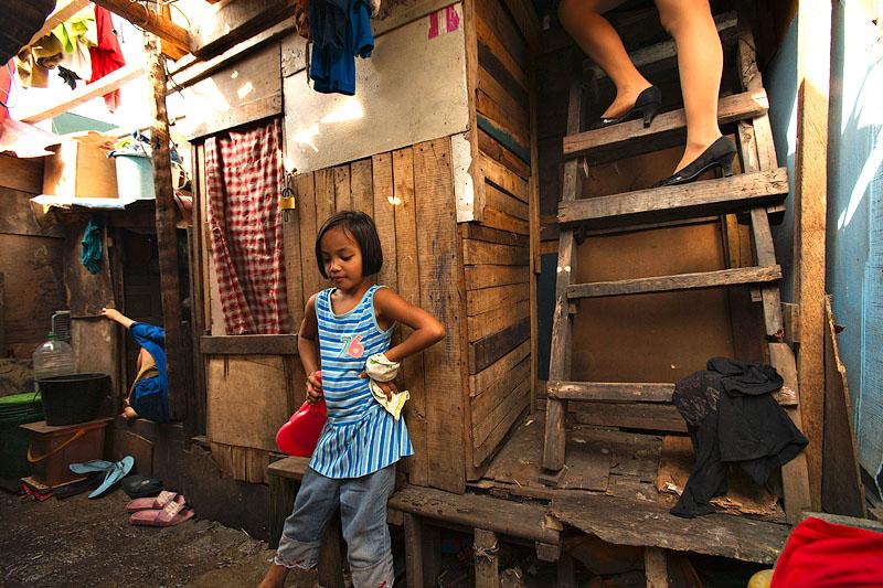 Two Filipinas - Philippines