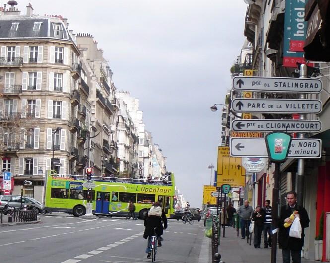 LOpen Tour Bus near St-Vincent-de-Paul