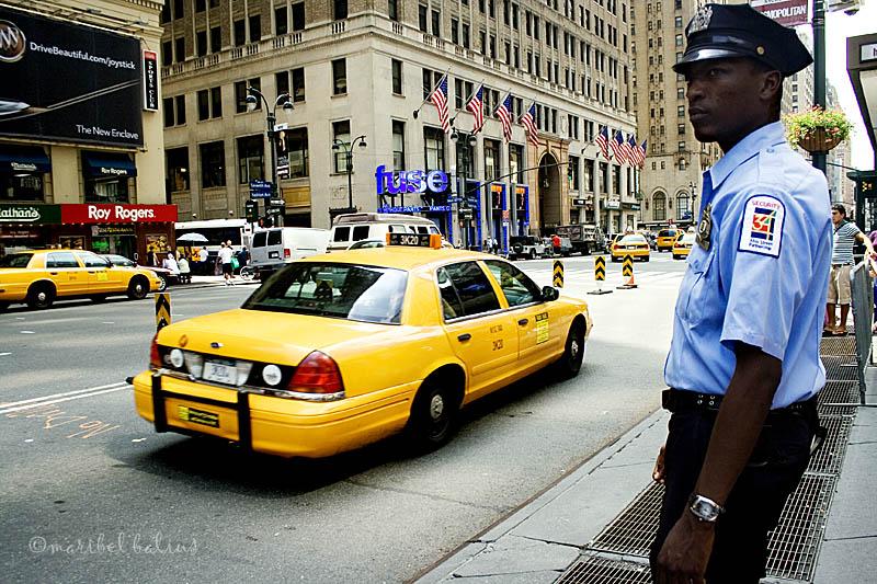 El vigilante guapo del Madison Square Garden